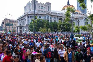 Maestros 'ahogan' a la capital mexicana con protestas