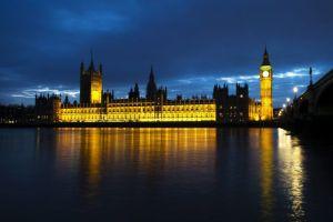 Parlamento británico rechaza plan de ataque contra Siria