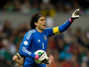 No lo supera: Memo Ochoa cree que México merecía ganarle a Holanda en Brasil 2014