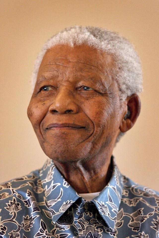 Mandela sigue en el  hospital