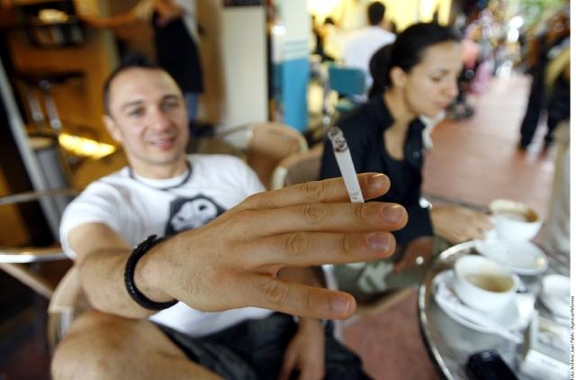 Fumar aumenta posibilidad de calvicie