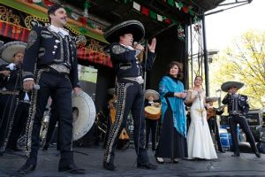 Arturo Peniche inicia promoción en EEUU