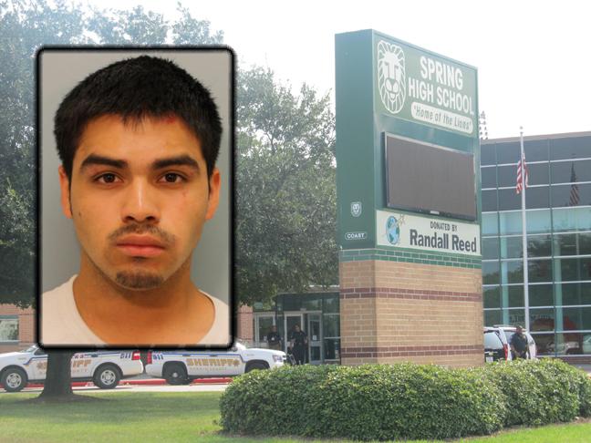 Joven hispano, sospechoso de apuñalamientos en prepa del área de Houston
