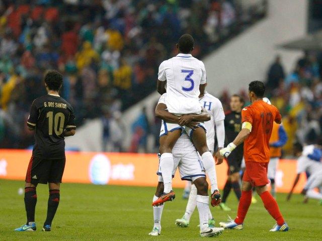 México sufre histórica derrota en el Azteca ante Honduras (Fotos)