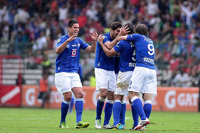 Cruz Azul remonta el partido y le gana al Toluca (fotos y video)