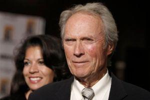 Esposa de Clint Eastwood quiere el divorcio