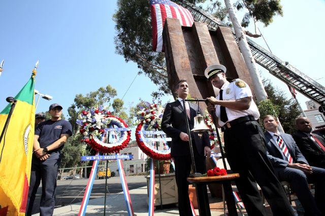 Los Ángeles conmemora aniversario del 9/11 (fotos)