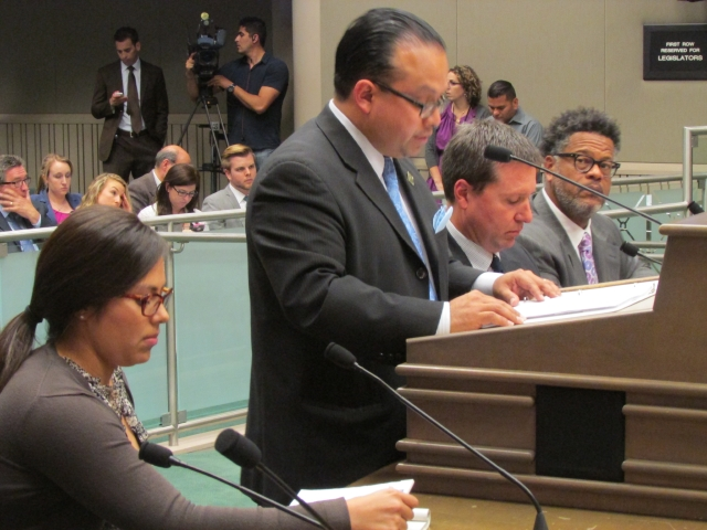 Cancelan proyecto de licencias para indocumentados en California