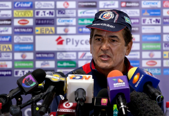 Costa Rica's soccer coach Jose Luis Pinto talks with the press after his team trained in Mexico City, Monday, June 10, 2013. Costa Rica will face Mexico in a 2014 World Cup qualifying soccer match on Tuesday. (AP Photo/Christian Palma)
