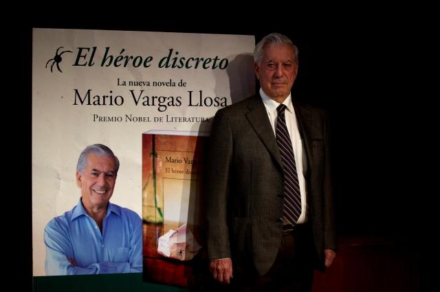 Mario Vargas Llosa presentó en España su nueva novela 'El héroe discreto'.