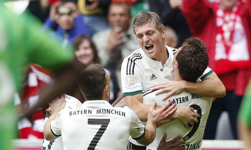 Vuelve a ganar Bayern Munich y es líder provisional (Video)