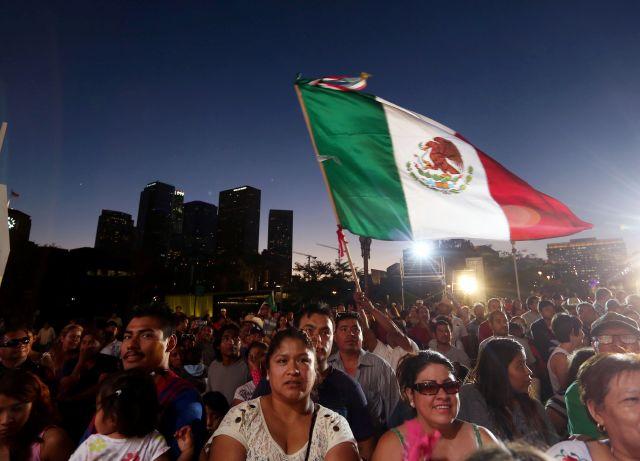 Celebran Grito de Independencia de México en LA