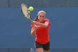 Mónica Puig avanza a cuartos de final en Guangzhou