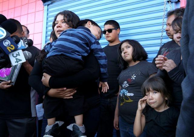 Asesinan a madre latina por unos dólares en sur de LA