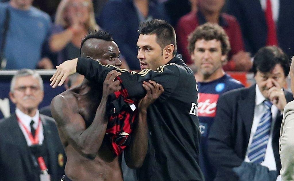 Milan no apelará suspensión de Balotelli