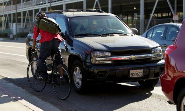 California brinda más protección a ciclistas