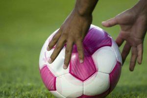 Femexfut presenta la campaña contra cáncer de mama