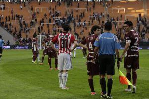 Violencia deja sin hinchas visitantes al fútbol argentino