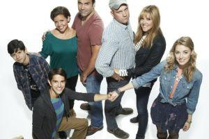 Justina Machado y Ricardo A. Chavira estrenan serie en NBC