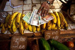 Cuba tardará en unificar sus dos monedas