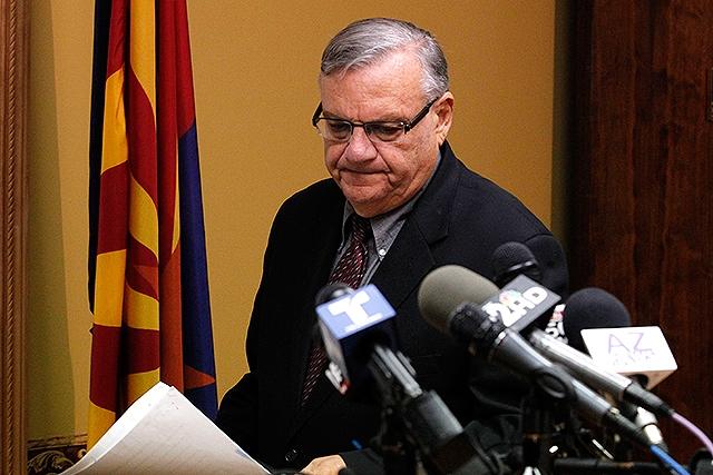 Juez federal emite restricciones a Joe Arpaio