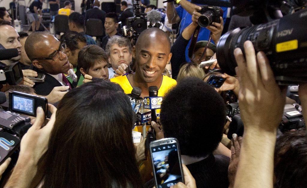 Kobe se somete en Alemania a procedimiento en la rodilla