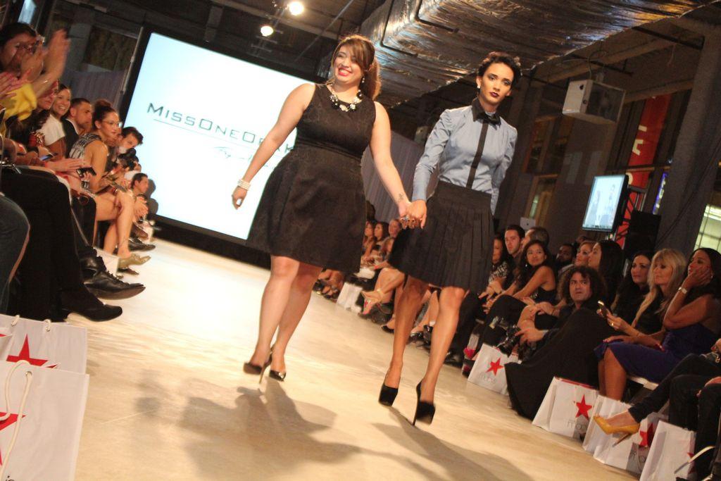 Muestran estilos para latinas en Chicago (Fotos y video)