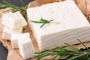 Los 4 quesos con menos grasa: fortalecen los huesos sin subir de peso