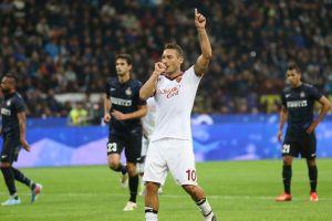 Doblete de Totti y Roma se impone al Inter