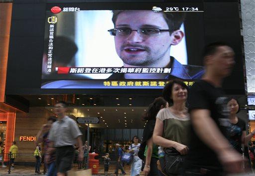 Snowden recibe premio otorgado por retirados de la CIA