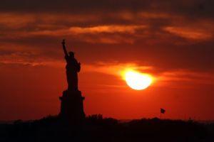 Reabrirán la Estatua de la Libertad y El Gran Cañón