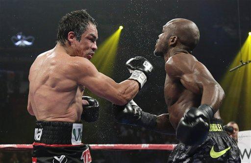Márquez denuncia 'robo' de pelea  y piensa retirarse del box