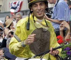Jinete boricua John Velázquez bate récord de ganancias
