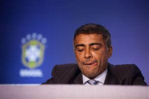 Romario se opone al mundial en Brasil y llama 'ladrón' a Blatter