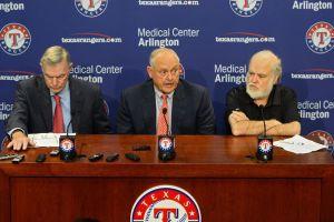 Nolan Ryan deja cargo de director ejecutivo de Rangers