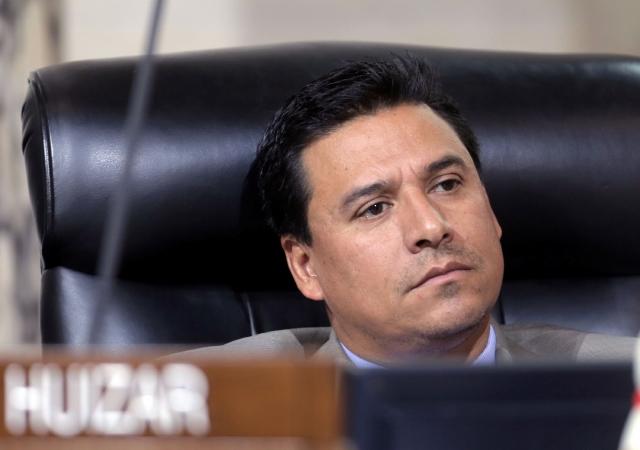 Piden a José Huizar renuncia inmediata al Concejo de Los Ángeles