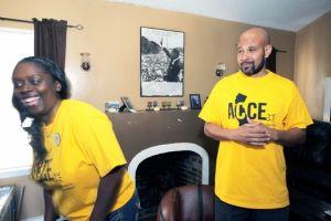 Lanzan línea telefónica en LA para víctimas de embargos