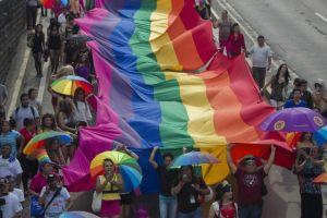 Juez se niega a casar a pareja de lesbianas porque va en contra de sus principios
