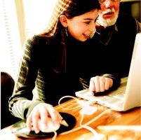 Más abuelos dominan la nueva tecnología cibernética