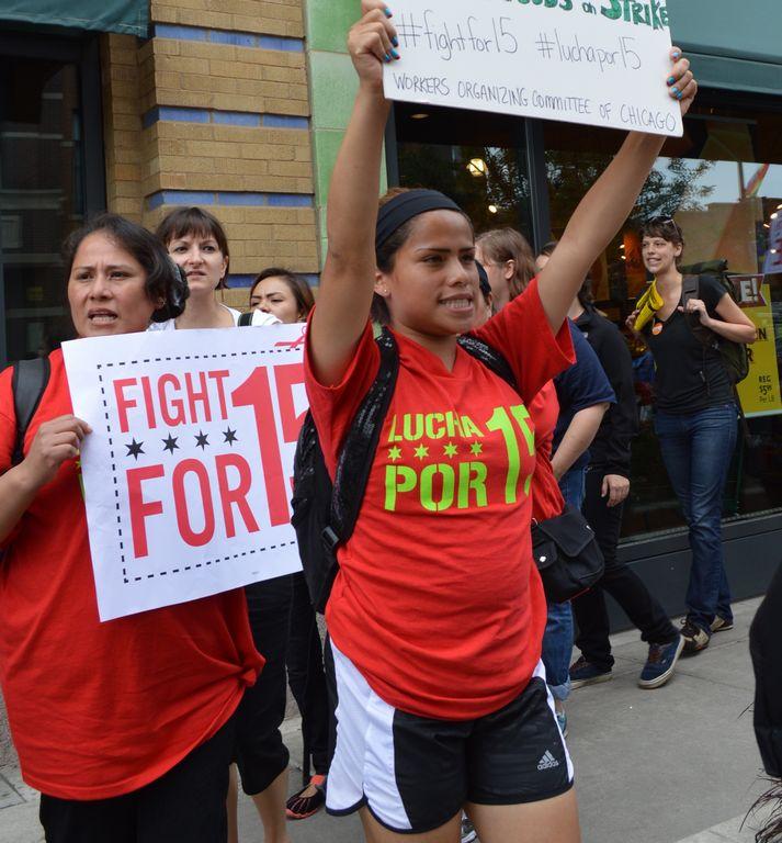Denuncian despidos en McDonald's por E-Verify y en represalia