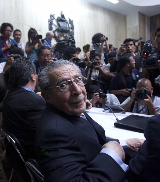 Corte  ampara a Ríos Montt