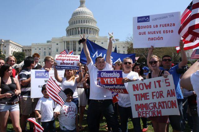 Activistas preparan batalla por la reforma migratoria