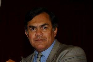 Pipino Cuevas recibe reconocimiento en torneo mexicano