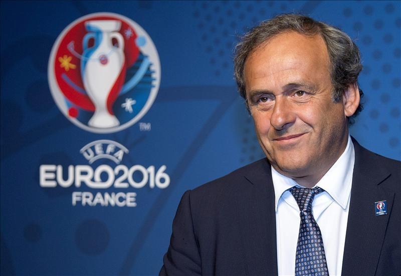 Platini ve posible un Mundial con 40 participantes