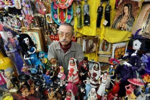 Comerciantes de la Placita Olvera salvan Día de los Muertos