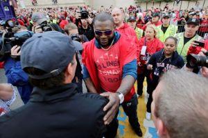 Fans festejan con Medias Rojas título de Serie Mundial