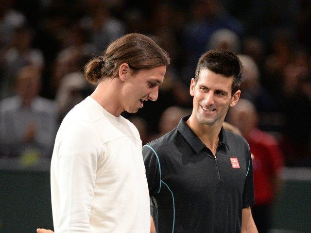 Ibrahimovic sorprende jugando tenis con Djokovic (Video)