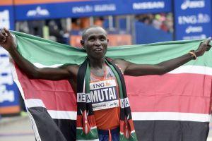 Kenianos ganan ambas ramas del maratón de Nueva York