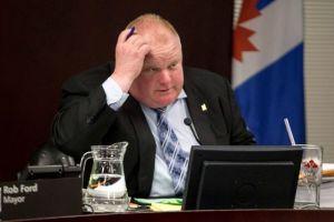 Toronto no sabe qué hacer con su alcalde que fuma crack