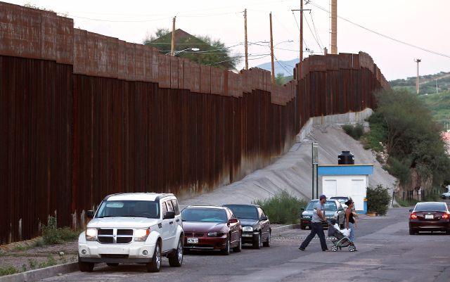 Demandan por cateo anal tras paradas de tránsito en frontera